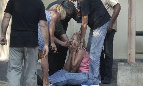 ΑΡΧΙΣΑΝ ΟΙ ΚΑΤΑΣΧΕΣΕΙΣ - Γυναικα χανει το σπιτι της για 775 ευρω - ΝΤΡΟΠΗ ΣΑΣ ΠΡΟΔΟΤΕΣ