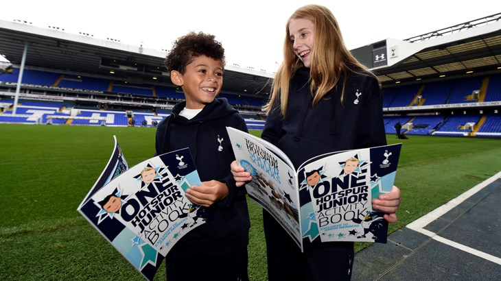 Star with the players in a Spurs model shoot!